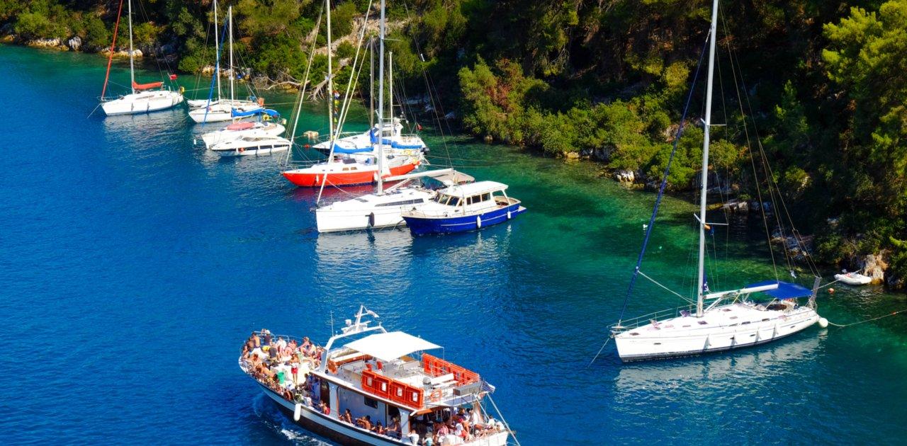 boats corfu port 1
