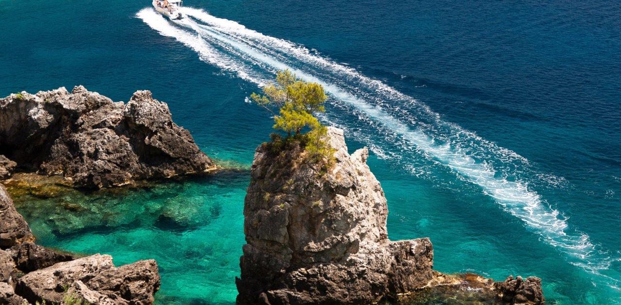 speedboat in corfu 1